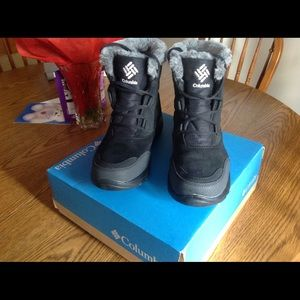 Columbia Ice Maiden Shorty Cozy Boots